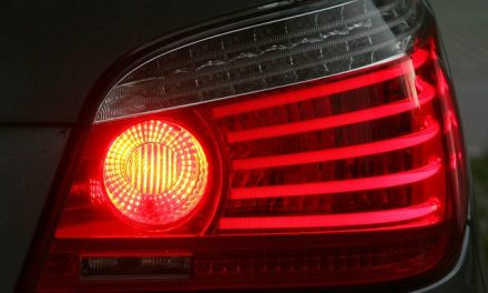 Defeitos na luz de freios