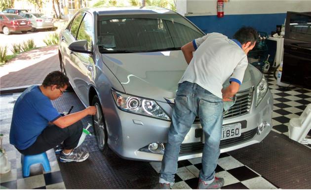 Como lavar o carro sem usar água