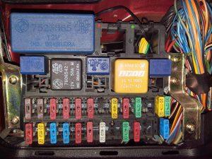 Caixa de fusíveis do Uno Ep 95/96 www.clubedounobrasil.com.br