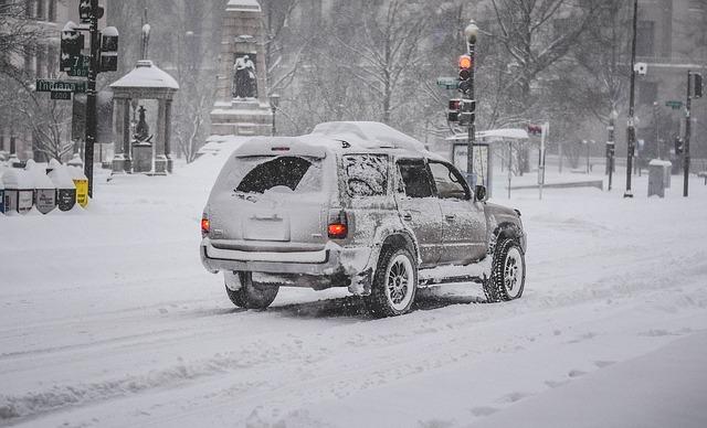 snow-storm-1192790_640