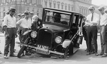 O que fazer em caso de acidente com carro
